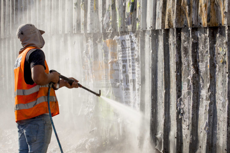What Is High-Pressure Cleaning and How to Choose Your High-Pressure Cleaner