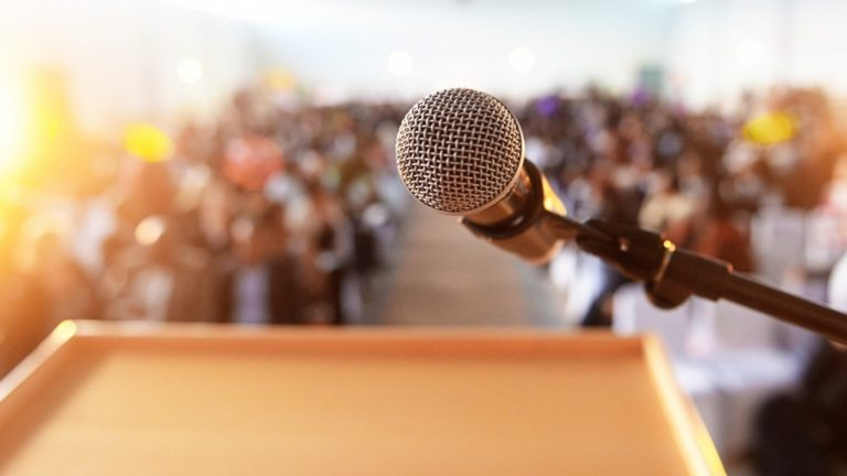 The Ultimate Public Speaking Guide: Smart Tips to Prepare for a Public Speaking Performance Like A Pro